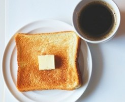 バター、パン、コーヒー