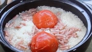 【相葉マナブ】トマトと玉ねぎの釜飯のレシピ!マナブかまどごはん
