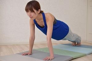【名医のTHE太鼓判】1日5分ハイハイ体操で背骨の歪みを防ぐ!蛭子能収