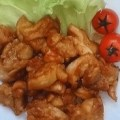 赤味噌ダレに漬けた鶏焼肉