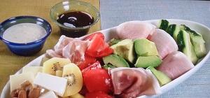 家事ヤロウ:和田明日香の豆腐とトマトの紅白サラダのレシピ!