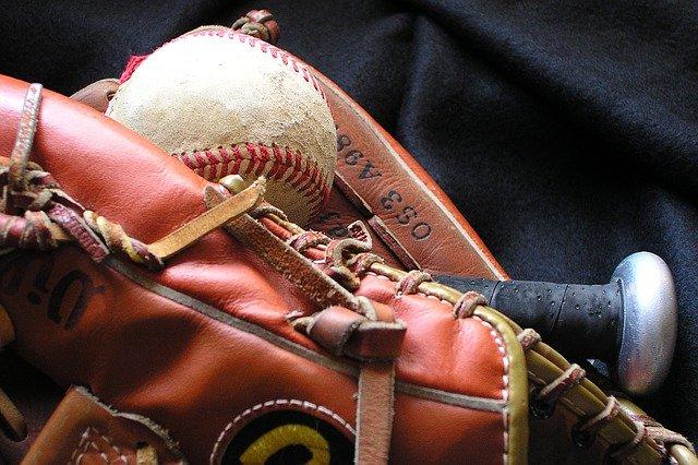 野球、グローブ、ボール