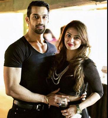 GR8 TV Magazine  Karan Vohras wife insecure with online
