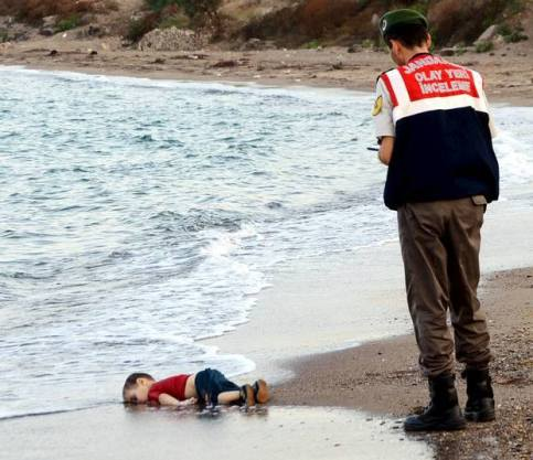 Pic of Little boy who drowned. ISIS