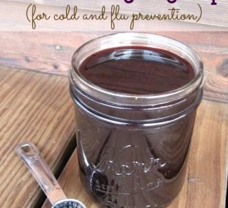 Homemade Elderberry Syrup on gracefullittlehoneybee.com