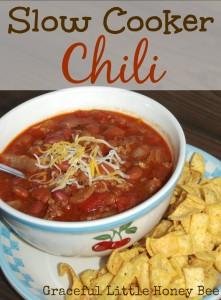 Easy Slow Cooker Chili on gracefullittlehoneybee.com