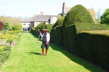 Gracie Opulanza The Manor Country House Oxfordshire Bentley Bentayga MenStyleFashion 2017 (14)