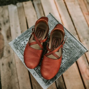 Artisan Leather Flats for Regular and Wide Feet