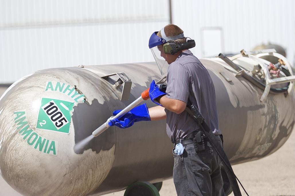Abrasive Blasting Equipment  EcoQuip