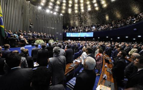 A Velha Política Busca um Novo Mandato