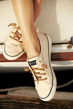 удобни и красиви обувки по време на пътуване