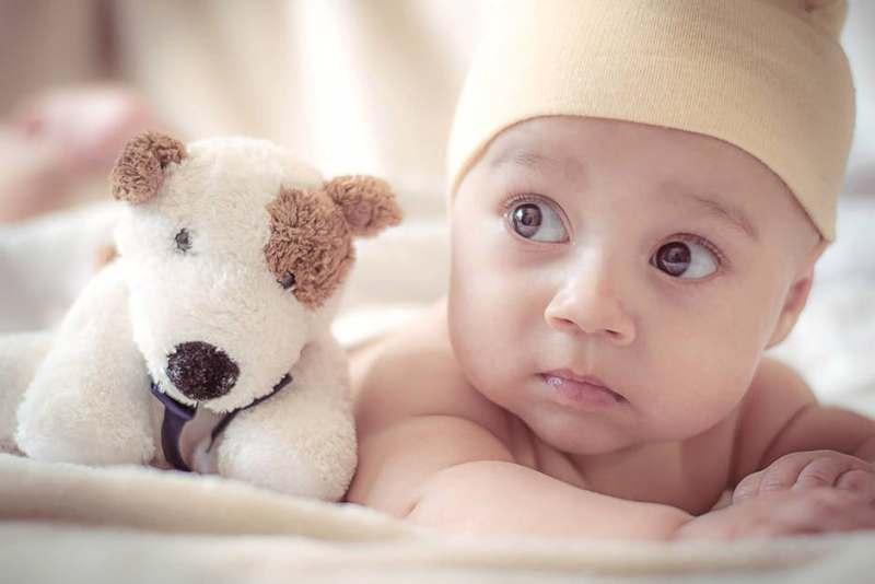 приятелка с бебе среща