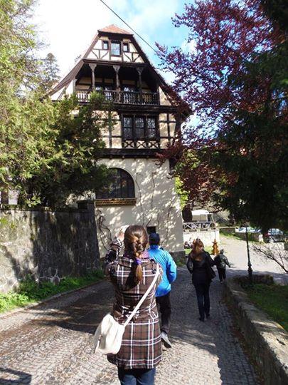 В двора на замъка Пелишор