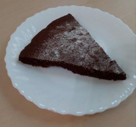 парче от домашно шоколадово брауни
