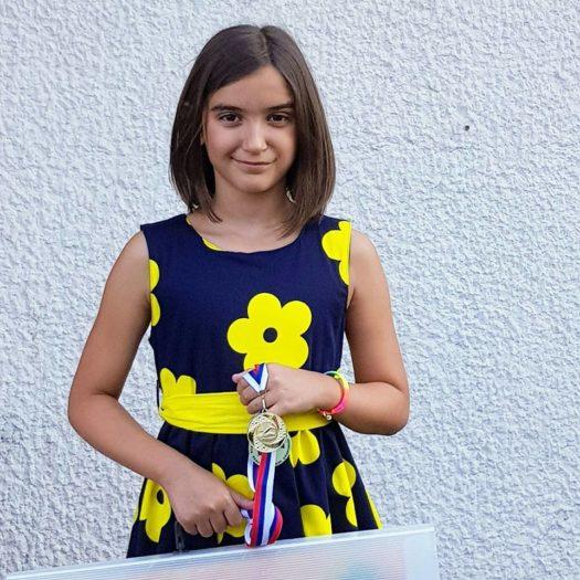 Lana Miletić devojcica iz Beograda osvojila likovnu nagradu na svetskom decijem konkursu u Japanu