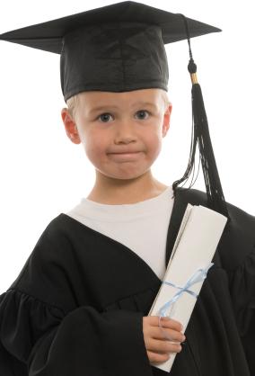 https://i0.wp.com/www.graduationsetc.com/images/Graduation_Kindergarten_xsmall.jpg