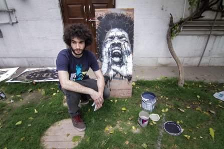 Stencil workshop by Samina. Photo by Akshat Nauriyal