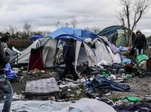 banksy-calais-campsite