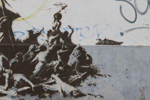 banksy-calais-france-raft-migrant-boat