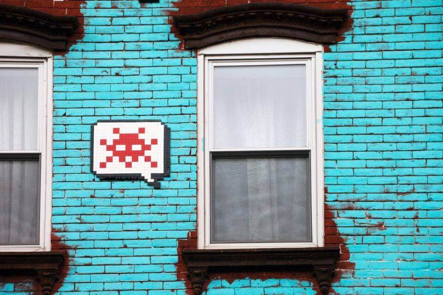 space-invader-newyork-nyc-2015-invader-red-white