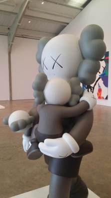kaws-yorkshire-sculpture-park-2016-12