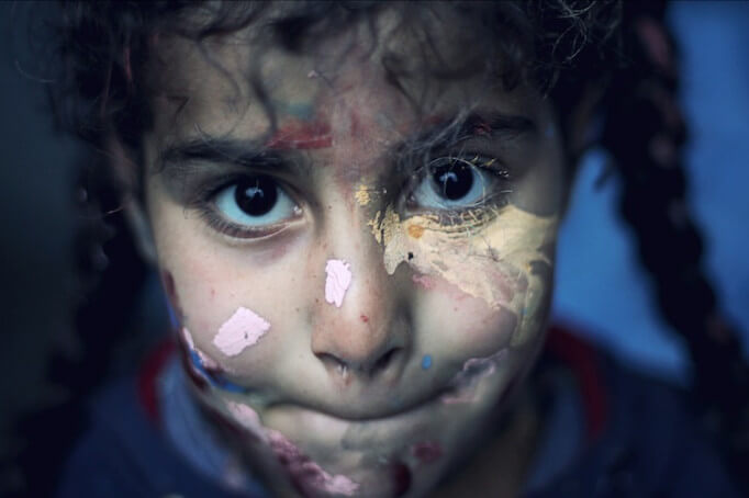 syria-girl-paint