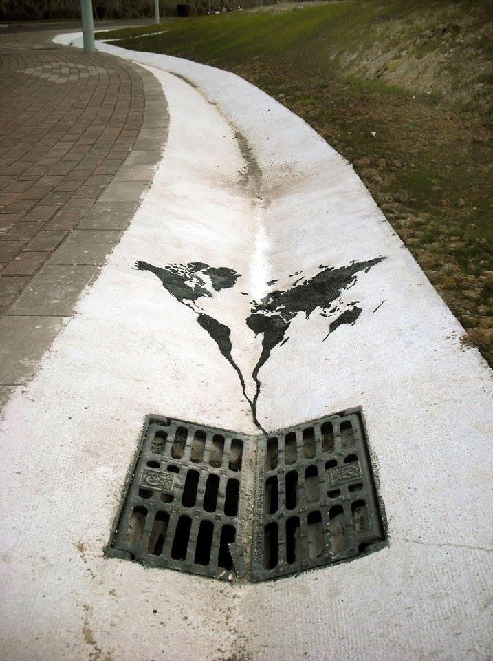 Pejac, World going down the drain, Santander