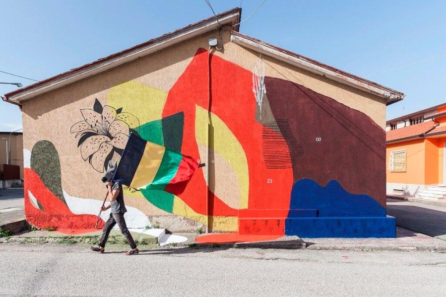 Cerchio Giulio Vesprini, Impronte Street Art Festival photo © Antonio Sena