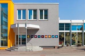 fkf_05-Frankfurt germany 2015 space invader street art mosaic