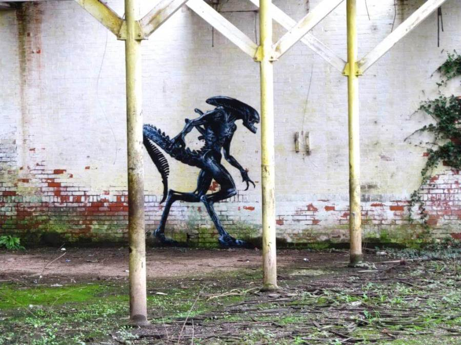 JPS - Alien street art. Photo Credit JPS