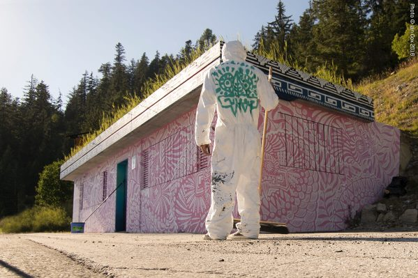 street-art-crans-montana-swiss-valais-alps_dsc7587_vision_art-festival_artist_curio_photo__ian_cox_2016