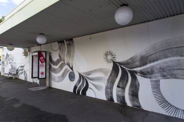Lucy McLauchlan, Paradox Tauranga Street art Festival 2017. Photo credit Luke Shirlaw