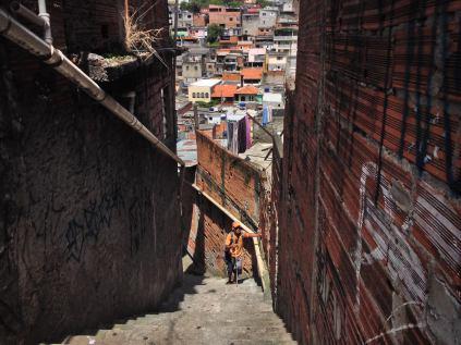 POESÍA_boa-mistura-street-art-brazil-poet-002