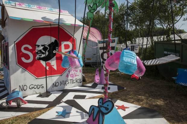Glastonbury-festival-2017-art-pc-Barry-Lewis-3
