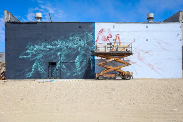 Li Hill, Pangeaseed Foundation, Sea Walls: Murals for Oceans Street Art Festival Churchill, 2017. Photo Credit Tré Packard