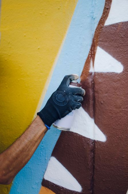 Greediness-street-art-mural-FERNANDO-LEON-urban-art-l'Hospitalet-de-Llobregat-Barcelona-pc-Clara-Antón-Contorno-Urbano-6