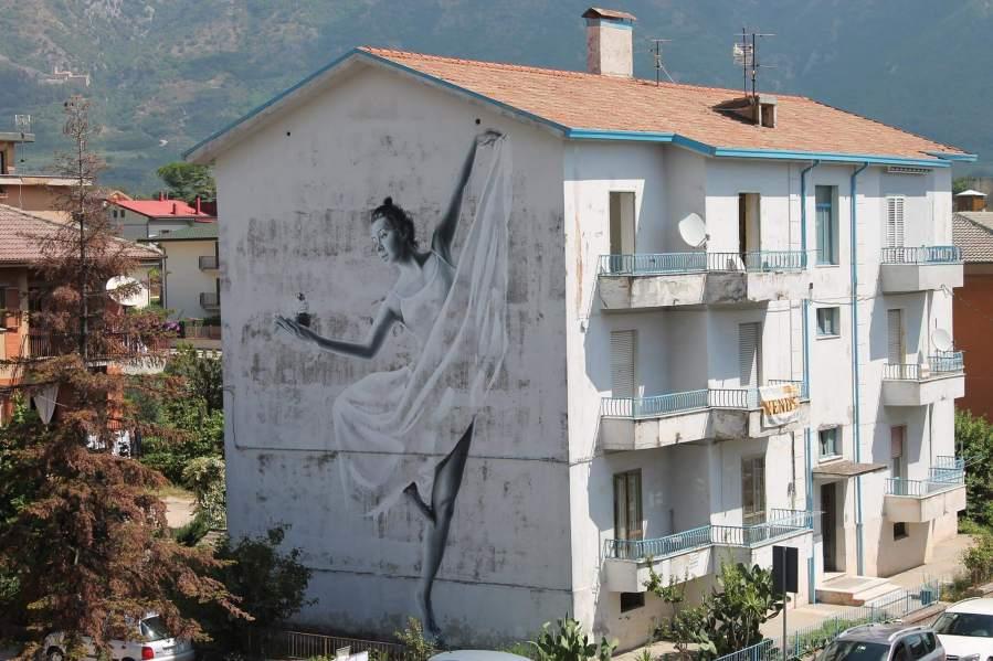 sasha-korban-street-art-festival-in-wall-we-trust-italy-2