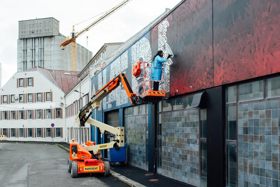 Nuart-Said-Dokins-calligraffiti-stavanger-2018-street-art-pc-RunaAndersen