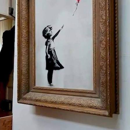 banksy-shred-girl-with-balloon-sothebys-auction-house-1
