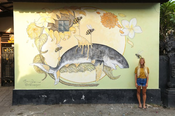 Marissa-Quinn-Sea-Walls-Murals-for-Oceans-Bali-2018-street-art-pangeaseed-pc-tre-packard-1