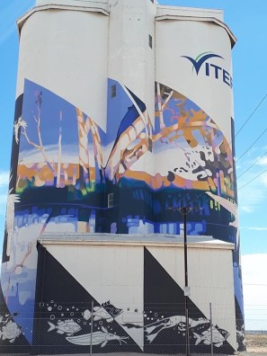 Gary Duncan – South Australia Silo Art Trail –Waikerie were the twenty fifth silos to be completed in 2018. Photo Credit Janet Gregory
