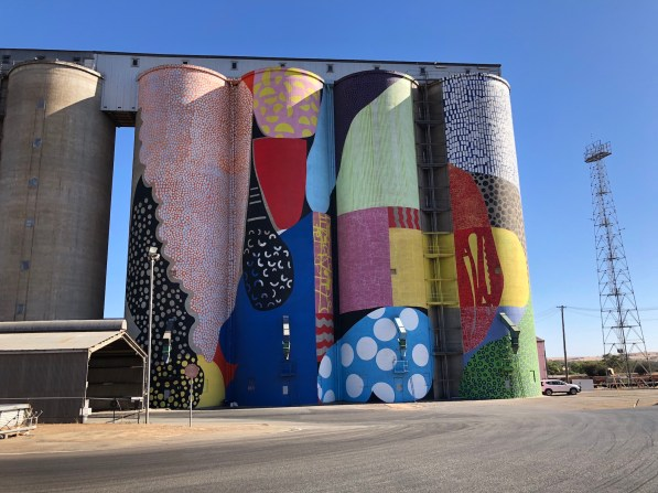 Hense – PUBLIC Silo Trail of Western Australia –Northam were completed in March 2015. Photo Credit Annette Green