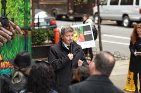 Clandestinos-Manhattan-New-York-City-ILO100-Art-Walk-street-art-for-mankind-pc-just-a-spectator-5