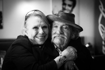 """""""Turtle"""" and actress Jean Warren , The Crystal Ship, Oostende 2019. Photo credit Alex Stanhope / GraffitiStreet"""