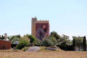 Fintan Magee-Titanes-social-inclusion-silo-street-art-museum-the-plain-of-La-Mancha-ciudad-real-pc-David-Fernández-2