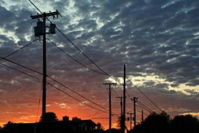 Sonnenuntergang, sunset, wolken, clouds, ciel, strommast, strommasten, hochspannungsleitungen, high voltage, stomleitungen, usa, amerika, silhouette, skyline, waldbrand media, free stock images, lizenzfreie fotos, fotografie, foto, photography