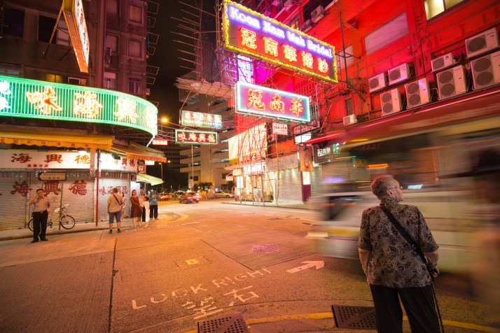 Canon 16-35mm F4 IS Canon 6D in Hong Kong Street Photography Long Exposure