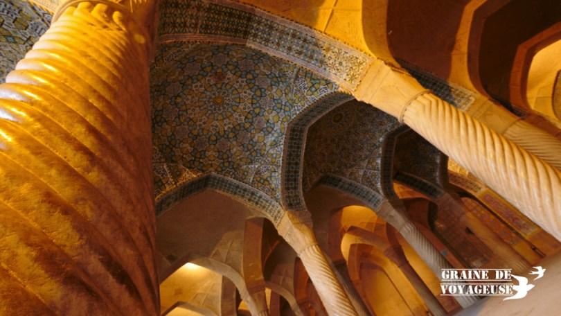 mosquée régent colonnes torsadées shiraz iran