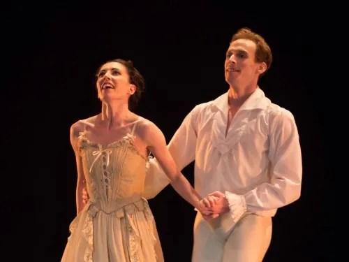Mara Galeazzi and Edward Watson in Manon