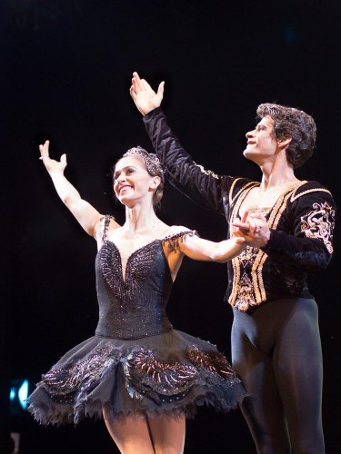 Marianela Nunez and Thiago Soares in Swan Lake
